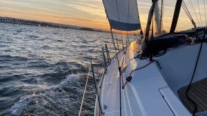 Read more about the article Enjoy a Sailboat Cruise Around The Bay